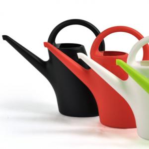 巨匠Eero Aarnio(エーロ・アールニオ)がデザイン plastex(プラステックス)社のガーデニンググッズ
