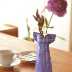 オブジェとしても絵になる花瓶。Lisa Larson(リサ・ラーソン)のワードローブシリーズ。