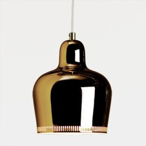 映画『かもめ食堂』にも登場。ブラスの深い輝きが美しい、artek(アルテック)社のGolden Bell(ゴールデンベル)